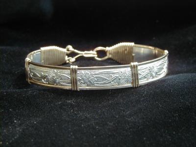 Gold & Silver Pattern Wire Bracelet